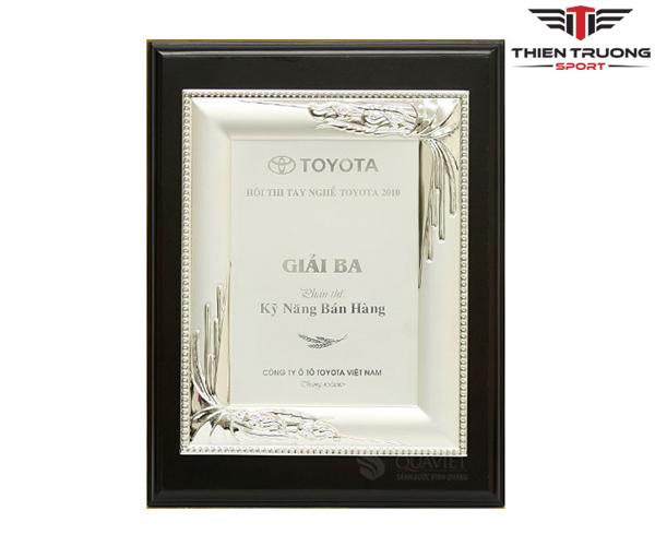 Kỷ niệm chương Luxury 68022025S mạ bạch kim và giá rẻ nhất