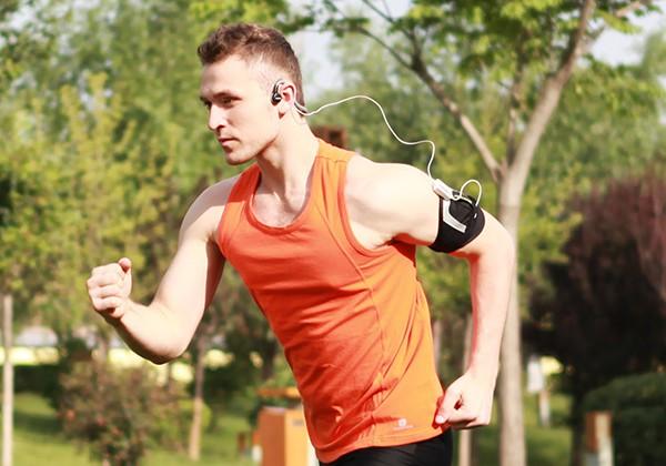 Lưu ý nghe nhạc khi chạy bộ