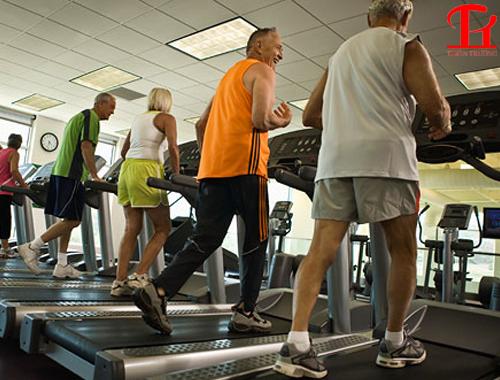 máy tập chạy bộ cho người cao tuổi