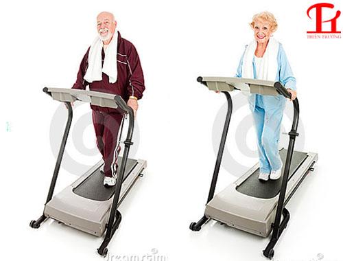 Những lưu ý cho người cao tuổi khi tập với máy chạy bộ tại nhà !