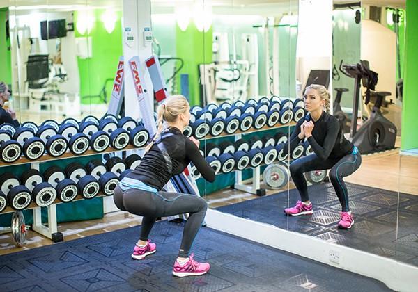 Nhìn vào gương giúp tăng động lực tập Gym