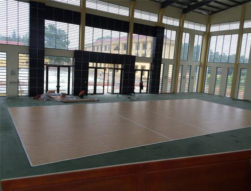 Sân bóng chuyền Trường PTDT nội trú Hà Nội hoàn chỉnh