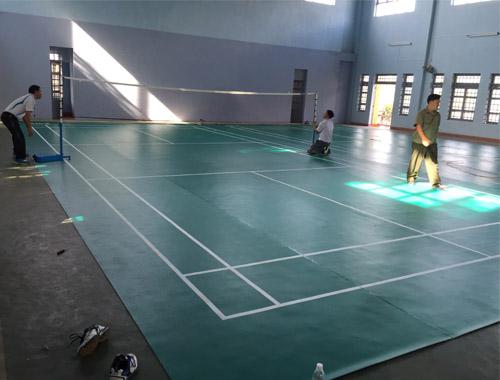 Sân cầu lông tại Trường THPT EaHLeo hoàn chỉnh