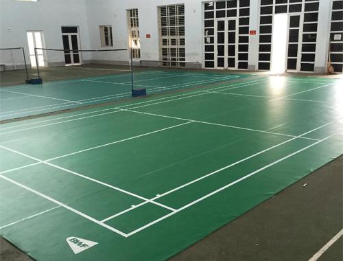Sân cầu lông tại TTVH thể thao huyện Tam Dương hoàn chỉnh