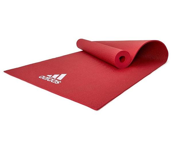 Thảm Yoga Adidas ADYG-10400RD cuộn tròn