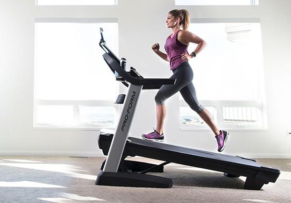 Thay đổi độ dốc giúp chạy bộ giảm cân