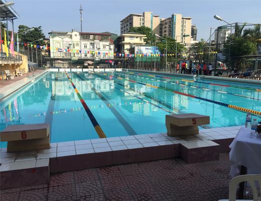 Thi công dây phao phân làn bể bơi tại Đại học Thủy Lợi, Hà Nội