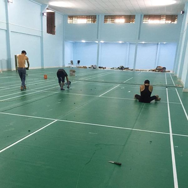 Thi công sân cầu lông tại Trường THPT Minh Đức