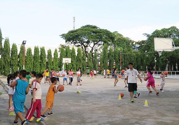 TOP 4 địa điểm học bóng rổ tại TpHCM tốt nhất cho người Mới