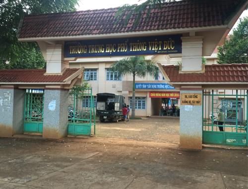 Thi công sân cầu lông tại Trường THPT Việt Đức Tỉnh Đắk Lắk