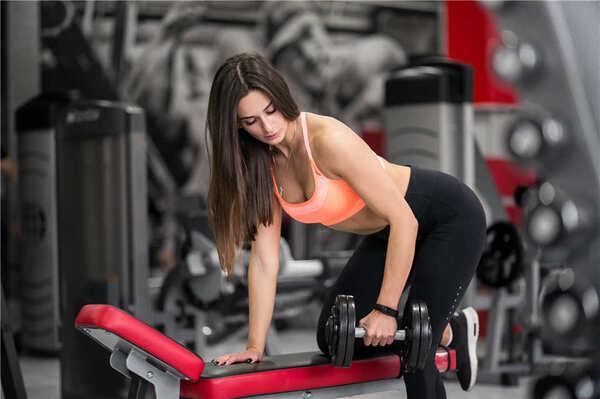Tập các bài tập lưng cho nữ giúp bạn có vóc dáng thon gọn, quyến rũ hơn