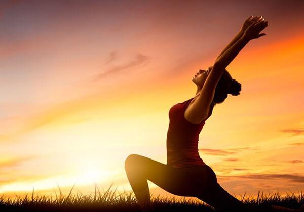 Tập tư thế chào mặt trời – Surya Namaskar