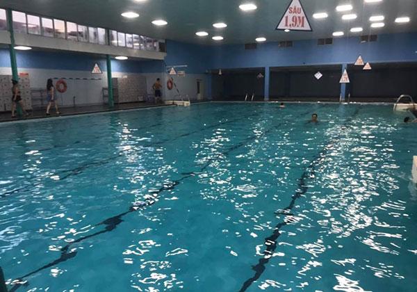 Bể bơi bốn mùa Đặng Tiến Đông