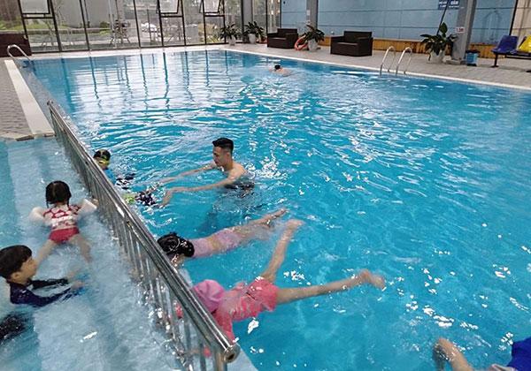 Bể bơi bốn mùa Nước Mặn Nemo