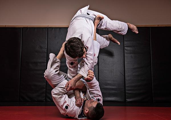 BJJ là gì? Vì sao võ Brazilian Jiu-Jitsu phát triển mạnh đến thế?