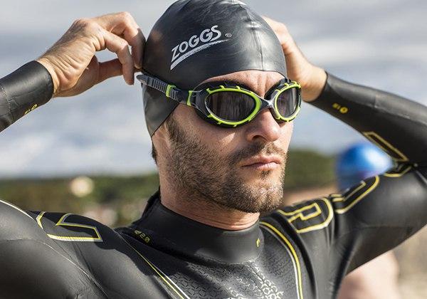 Cách đeo kính bơi
