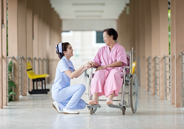 Cách chăm sóc sức khỏe người cao tuổi chuẩn và chi tiết nhất !