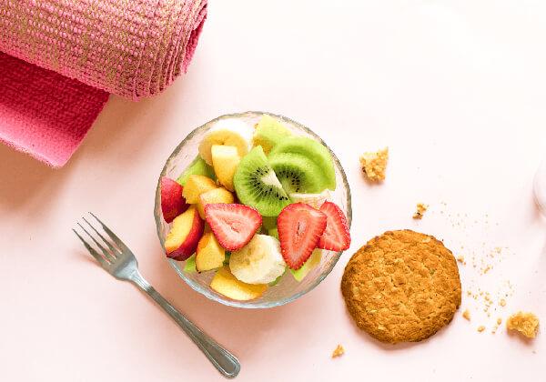 Chỉ nên ăn nhẹ trước và sau buổi tập