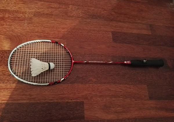 Cách chọn vợt cầu lông cho người mới chơi phù hợp nhất