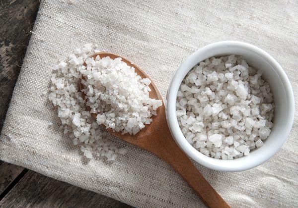 Chườm muối giúp giảm mỡ bụng