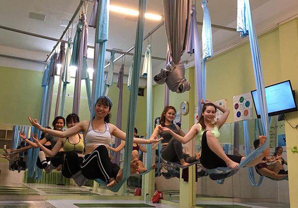 CLB Aerial Yoga saigon