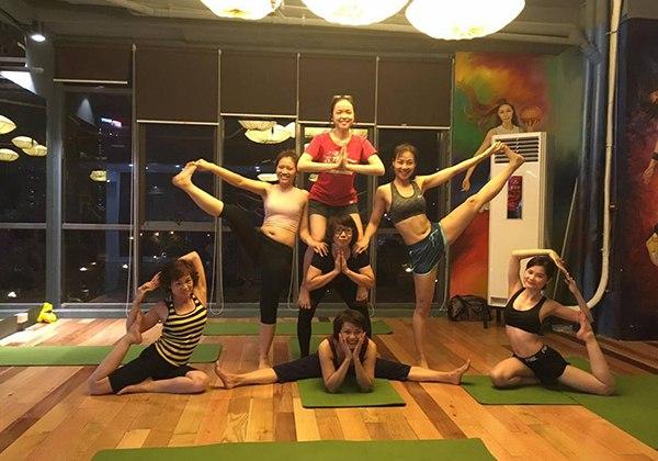 CLB Yoga Olympia Hoàng Gia