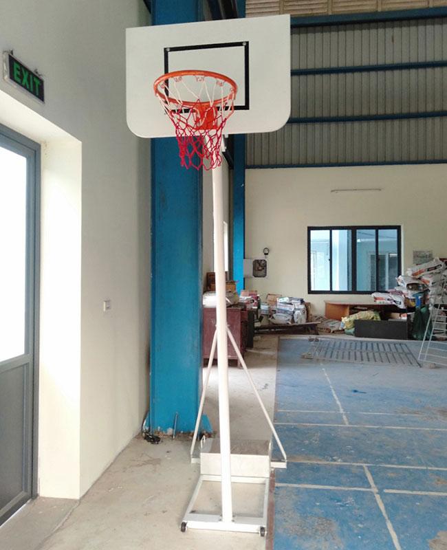 Cột bóng rổ học sinh
