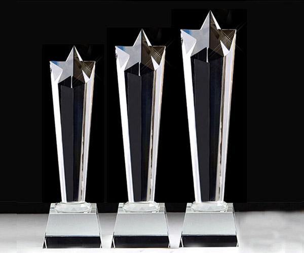 Cúp pha lê CPL 05 phù hợp trao giải cho các cuộc thi văn hóa