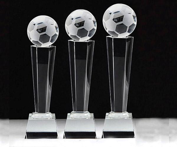 Cúp pha lê CPL 07 phù hợp làm quà lưu niệm cho giải bóng đá !