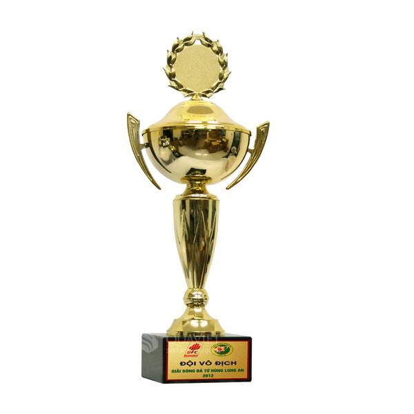 Cúp vàng thể thao 800111