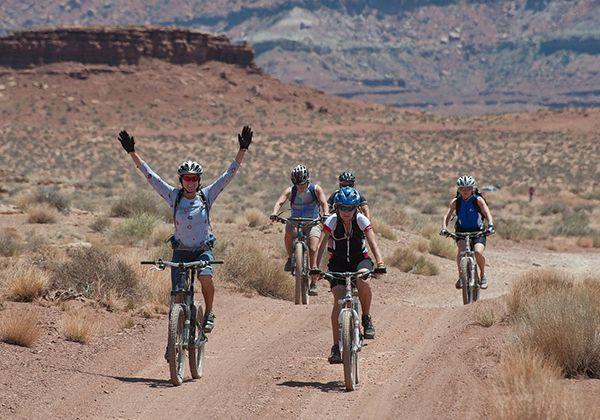 Đạp xe đạp có giảm mỡ bụng? Cách đạp tốt nhất cho nam nữ?
