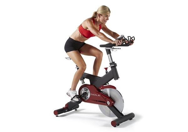 Đạp xe giảm cân với xe đạp thể dục