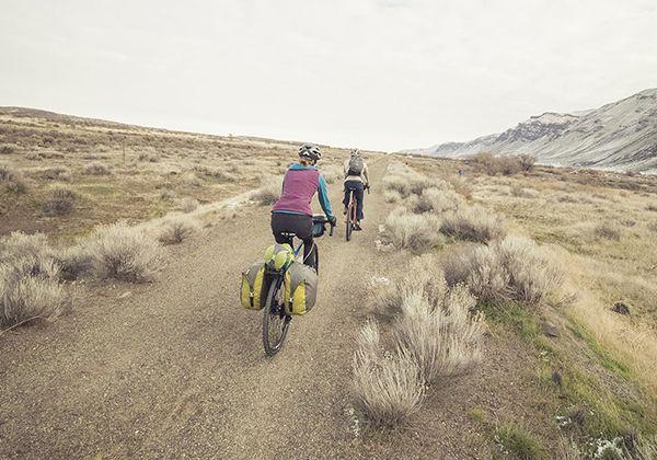 Đạp xe trên địa hình dốc