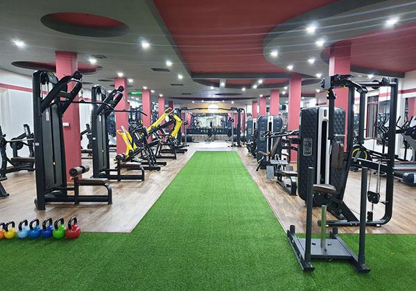 Phòng tập Dynamic Fitness Long Biên