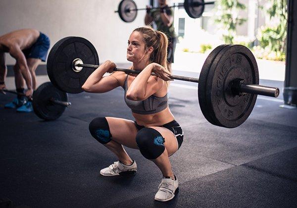 Front Squat giúp tránh võng lưng