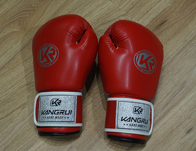 Găng Boxing Kangrui YW301