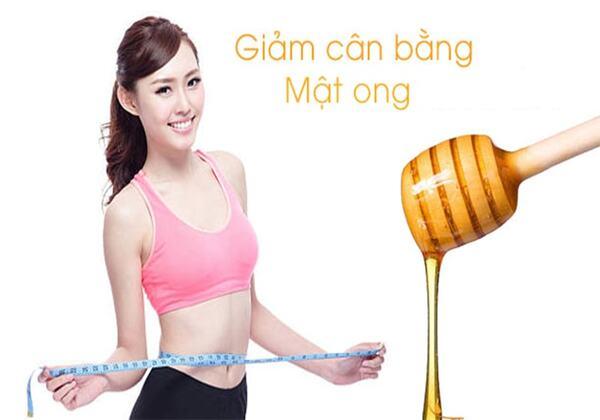 Nhiều người lựa chọn cách giảm cân bằng mật ong vì không ảnh hưởng nhiều tới trọng lượng cơ thể