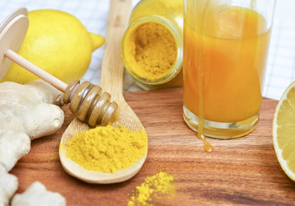 Công thức giảm mỡ bụng sau sinh hiệu quả với mật ong tinh bột nghệ