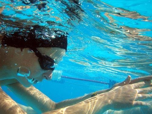 tập hít thở dưới nước