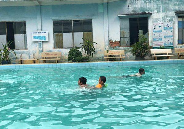 Hồ bơi CLB Lý Thường Kiệt