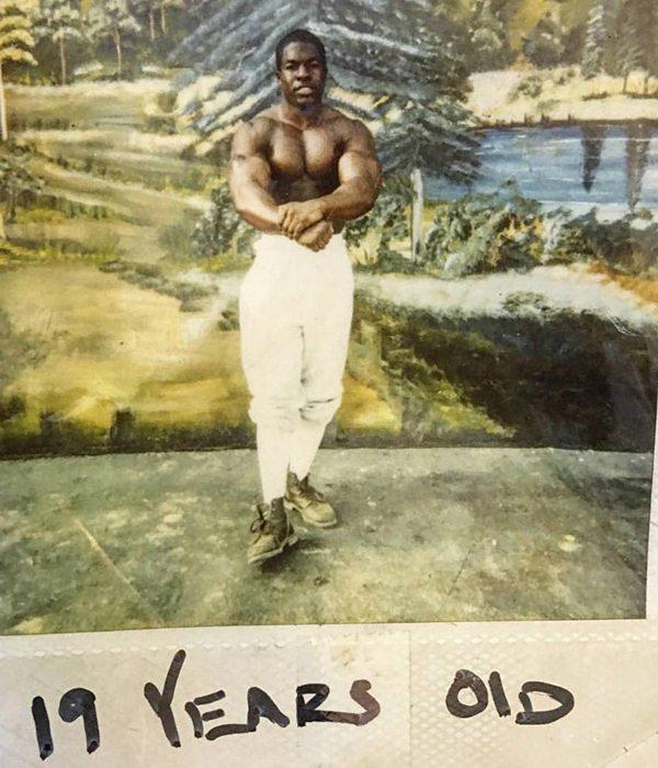 Kali Muscle lúc 19 tuổi