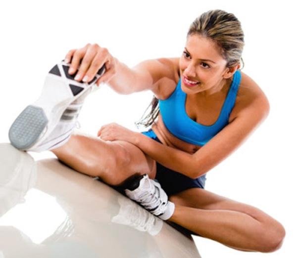 Khởi động kỹ trước khi tập luyện giúp làm nóng cơ thể và giảm nguy cơ chấn thương