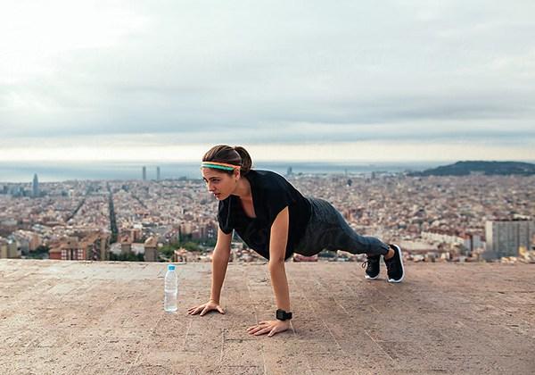 Mang theo nước khi tập thể dục sáng