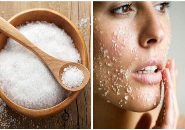 Massage với muối không chỉ giảm béo mặt mà còn làm da mịn màng, khỏe khoắn