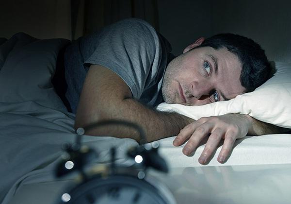 Mất ngủ gây tăng cân