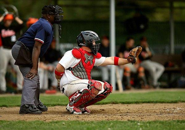Mũ bảo hiểm bóng chày