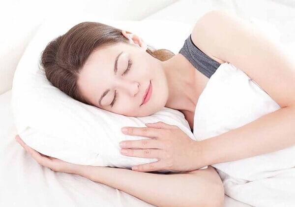 Cách làm thon gọn gương mặt nhờ nghỉ ngơi đầy đủ