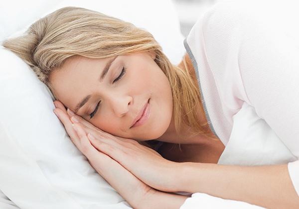 Ngủ ngon giúp tăng cân cho người gầy