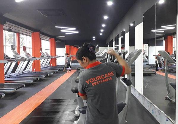 Nhân viên vệ sinh phòng Gym