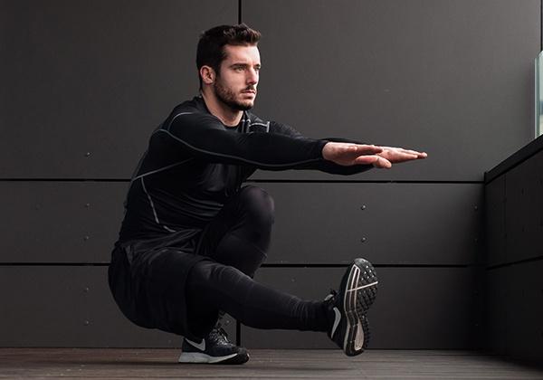 Pistol squat là gì? Cách tập squat 1 chân chuẩn cho người mới?